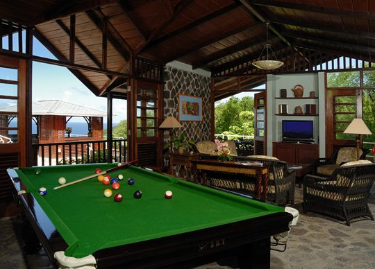 tvpoolroom 540x388 - Amenities